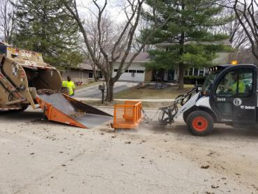 Final round of springtime yard waste collection will begin on Monday, May 6.
